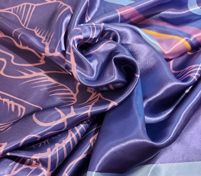 lilla kaelarätik kinkekarbis